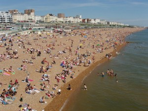 Brighton Beach on Whitsun, 31 May 2009. By David Hawgood of Geography Project via Wiki Commons.