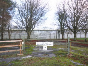 Channings Wood, Boundary Fence, by Roger Cornfoot December 2009 via WikiCommons